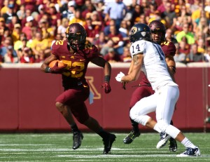 September 19, 2015: University of Minnesota Gopher wide receiver Jeff Borchardt (22) runs on second down in the game between the Kent State Golden Flash and the University of Minnesota Gophers at TCF Bank Stadium in Minneapolis,Minnesota.September 17, 2015: University of Minnesota Gopher fullback Jeremy Seaton (44) during the game between the Kent State Golden Flash and the University of Minnesota Gophers at TCF Bank Stadium in Minneapolis,Minnesota.